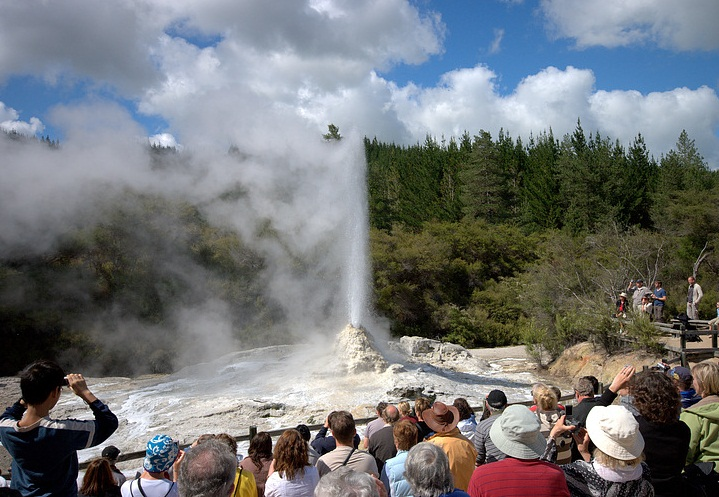 Lady Knox Geyser, New Zealand tourism destinations