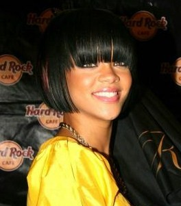 rihanna-bangs-06preview.jpg