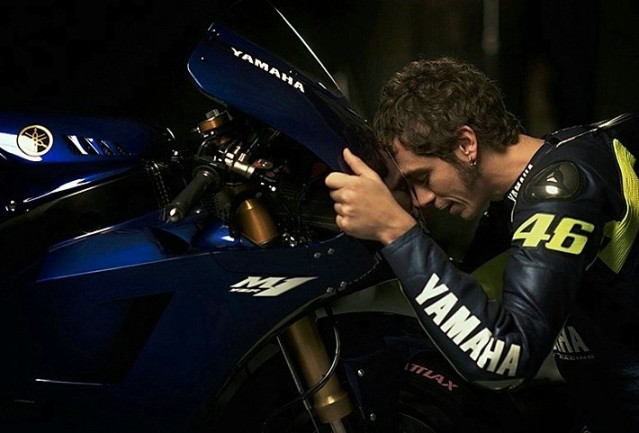 Rossi-Back-With-Yamaha