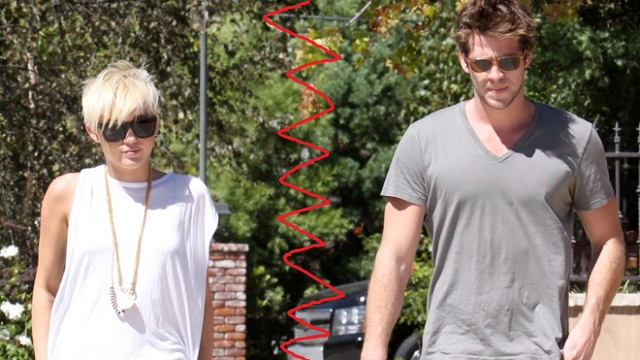 hrfm Miley Cyrus and Liam Hemsworth X17 660