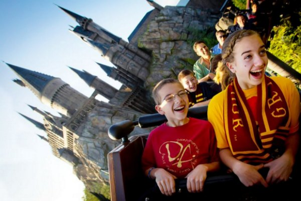 Nikmati berbagai petualangan seru di The Wizarding World of Harry Potter | yahoo.com