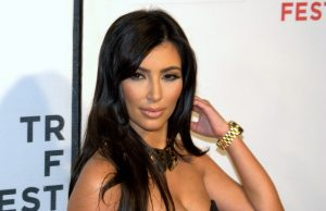 Kim Kardashian meniru Naomi Campbell