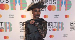 Gaya Berpakaian Terunik Di Brit Awards 2021